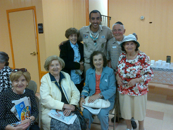Chaverim-Program-for-Holocaust-Survivors-02